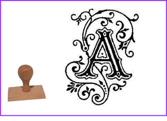 Tampons initiales ornées